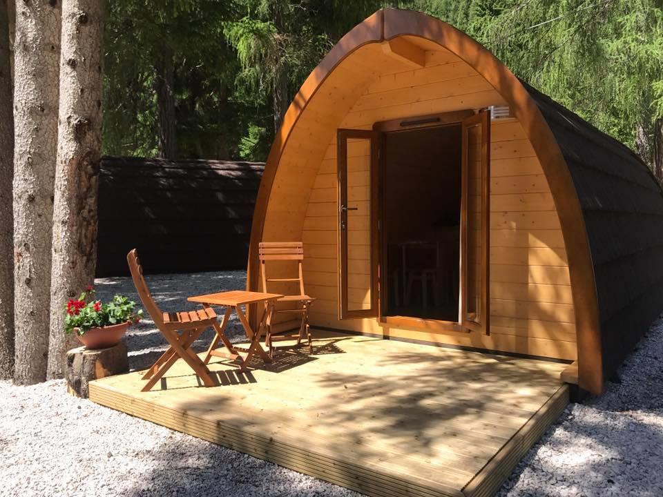 camping boucieu le roi les berges du doux en ard che. Black Bedroom Furniture Sets. Home Design Ideas