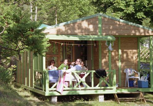 Camping vion l 39 iserand en ardeche france location de chalets for Camping le jardin botanique